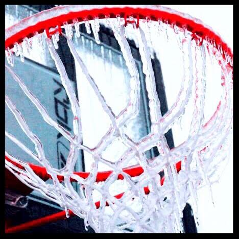 Nothin' but net! Well, somewhere under those icicles...